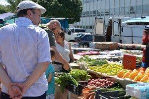 Vásárlás a piacon- mindennapi élmények a forgatagban